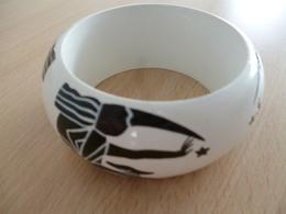 Bracelet En Bois Peint - Motifs Egyptiens Noir Et Blanc - Ethnics