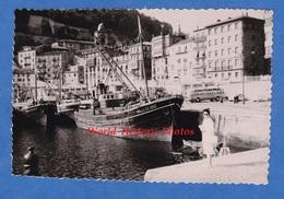 Photo Ancienne Snapshot - ESPAGNE , Port à Situer - SAN SEBASTIAN ? Environs ? - Bateau Vallee De Oro - 1964 - Autobus - Boats