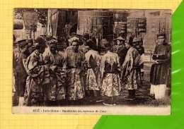 CPA HUE   INDO CHINE Mandarins En Costumes De Cour - Viêt-Nam