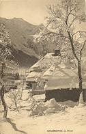 74 CHAMONIX MONT BLANC SOUS LA NEIGE ET LE MONT BLANC Editeur PETITJEAN CHAMONIX 10169 - Chamonix-Mont-Blanc