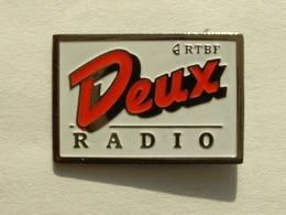 Pin's RADIO DEUX - RTBF - Mass Media