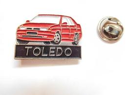 Beau Pin's , Auto Seat Toledo - Badges