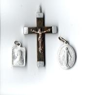 RELIGION . CRUCIFIX . 2 MÉDAILLONS DE LA SAINTE-VIERGE - Réf. N°106M - - Religion & Esotérisme