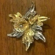 Spilla In Filigrana Di Argento 925 Dorato E Non A Forma Di Fiore Vintage Anni 80 - Jewels & Clocks