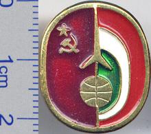 141 Space Soviet Russia Pin INTERKOSMOS USSR-Hungaria - Spazio