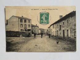C.P.A. : 42 LE BESSAT : Entrée Du Village, Côté Est,Notel BERNE, Animé, Timbre En 1909 - France