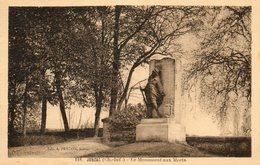 Jonzac    Monument Aux Morts... - Jonzac