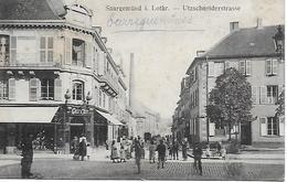 SARREGUEMINES - SAARGEMÜND - UTZSCHNEIDERSTRASSE - RUE TRES ANIMEE ANCIEN COMMERCE POSTEE EN 1919 - Sarreguemines