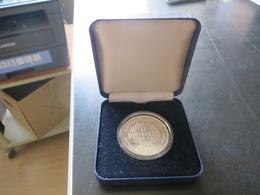 M T - Medaille Liberation Du Koweit - Victoire De La Paix 1991 Argent Poids 19 Grammes Parfait état Avec Certificat - Francia