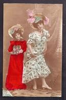 CPA Enfant Fillette Et Jeune Femme Coiffée Et Habillée Avec élégance - Pretty Girl - Photo - Portraits