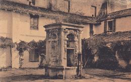 64. SAINT JEAN DE LUZ. .CPA SEPIA. PUITS DE L'ANCIEN COUVENT DES RÉCOLLETS. ANNEE 1935 - Saint Jean De Luz