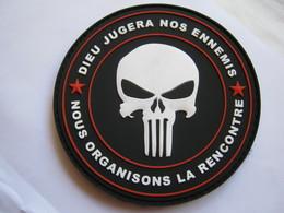 ECUSSON COMMANDO OPEX PUNISHER PVC (DIEU JUGERA NOS ENNEMIS) SUR VELCROS ETAT EXCELLENT - Army