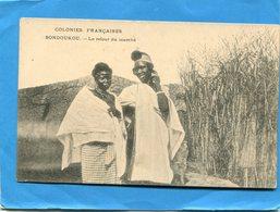COTE D IVOIRE- BONDOUKOU-Gros Plan 2 Femmes En Retour Du Marché-années   1900-10--édition - Ivory Coast