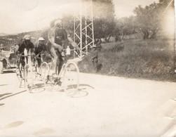 ALLAUCH 13-DERBY CYCLISTE DU MIDI 1927- LE PELOTON DE TETE DANS LA COTE- - Lieux