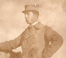 """PORTRAIT  DE MILITAIRE  PHOTO SEPIA """"   1911 En Permission à Tarascon"""" - Guerre, Militaire"""
