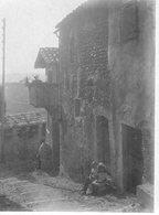 CAGNES  AOUT 1934  UNE RUE DE LA VILLE  PHOTO ANIMEE   SEPIA - Lieux