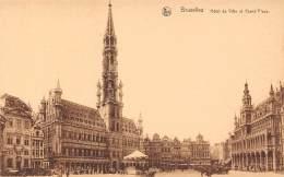 BRUXELLES - Hôtel De Ville Et Grand'Place - Marktpleinen, Pleinen