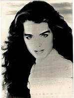 4 Photos D'actrices Grand Format: 18/24 Cm: Photos 1-2-4: BROOKE SHIELDS Et Photo 3: ORNELLA MUTTI  Excellent état. - Célébrités