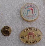 KARATE DO SHOTOKAN US TREFILERIES LE HAVRE & FULL BOXING CLUB BOXE AMERICAINE 2 PIN'S   DDDD   023 - Judo