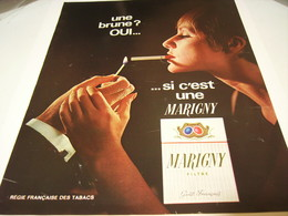 ANCIENNE AFFICHE  PUBLICITE UNE BRUNE OUI  CIGARETTE MARIGNY  1967 - Tabac (objets Liés)