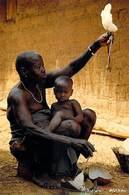 Afrique-CÔTE D'IVOIRE Fileuse De Coton Dans Le Village Sénoufo De FAKAHA  (bébé Enfant) (-MAURICE ASCANI 47) *PRIX FIXE - Côte-d'Ivoire