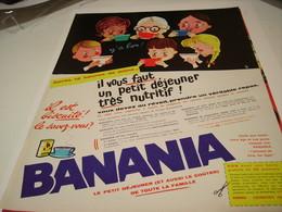 ANCIENNE PUBLICITE BANANIA IL EST BISCUITE 1963 - Affiches
