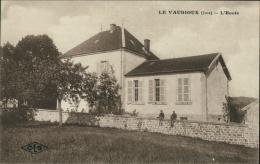39 LE VAUDIOUX / L'Ecole / - Autres Communes