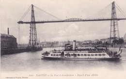 44-Nantes Le Pont Transbordeur-Départ D'une Abeille - Nantes