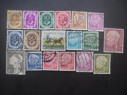 ALLEMAGNE 18 Timbres Différents Oblitérés - Stamps