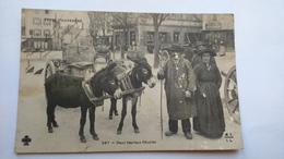 Carte Postale (H5) Ancienne Auvergne , Deux Heureux Couples - Auvergne