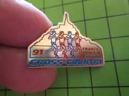 713J Pin's Pins / Beau Et Rare : Thème SPORTS / ATHLETISME MONT ST MICHEL CHAMPIONNAT DE FRANCE 91 UNSS - Athletics