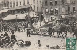 CE 25 -  BORDEAUX  -  FETES DES VENDANGES 1909  -  CHAR DES PARQUEUSES  -  2 SCANS - Bordeaux