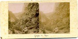 Photos  Stéréoscopiques - 73  Savoie -  Gorges  Du  NAN -  Touriste  Dans  La  Rivière - Stereoscopic