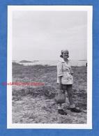 Photo Ancienne Snapshot - FOUESNANT / Ile Des Glénan - 1951 - Finistère Bretagne Vague Rocher - Boats