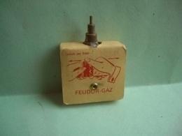 Recharge De Gaz BRIQUET FEUDOR LIGHTER Feuerzeug 打火机 ЛЕГЧЕ ACCENDINO AANSTEKER Encendedor Léttari ライター ////// - Lighters