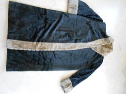 Manteau De Fourrure Ancien - Vintage Clothes & Linen