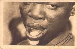 AFRIQUE Africa - BURKINA FASO : Cylindre De Quartz Dans La Lèvre Inférieure Des Femmes De KOUMI  - CPA - Black Africa - Burkina Faso