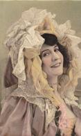CARTE FANTAISIE . CPA . PORTRAIT DE JEUNE FEMME - Femmes