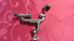 Sertisseur Ancien Pour Cartouche De Chasse Calibre 16 Pour Collectionneurs - Tools