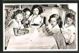 AK Château De Friedhem, 1936, Astrid Von Norwegen, Baudouin Und Josephine Von Belgien, Comte Bernadotte De Wisborg - Familles Royales