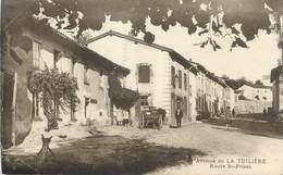 """CPA FRANCE 42 """" La Tuilière, Route De St Priest"""" - France"""