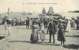 """CPA FRANCE 44 """" Le Pouliguen, La Plage Un Jour De Régates"""" - Le Pouliguen"""