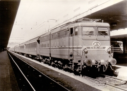 Foto Photo - Trein Train - Locomotief Locomotive - E.645.089 - Treni