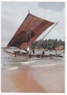 Ceylan - Démarrage à Pleine Voile Du Rivage De St André à Colombo, Pour La Journée De Pêche Au Grand Large - Pas Circ - Sri Lanka (Ceylon)