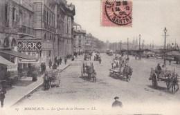 BORDEAUX - GIRONDE -  (33) - PEU COURANTE CPA TRÈS ANIMÉE . - Bordeaux