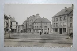 50 : Valogne - Place Vicq D'Azir ( Société Générale ) - Valognes