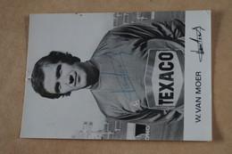 Photo Ancienne Dédicacée Du Standard, W.Van Moer,Standard De Liège,15 Cm. Sur 10,5 Cm. - Autographes