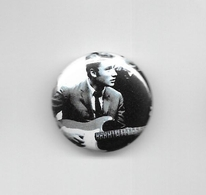 """Johnny Hallyday  """"  Badge  """" - Other Products"""