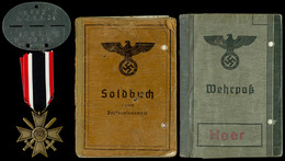 1548 Kleiner Nachlass Eines Schützen Bestehend Aus Soldbuch, Wehrpass, Erkennungsmarke Und Kriegsverdienstkreuz 2. Klass - Bücher, Zeitschriften, Kataloge
