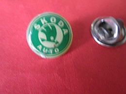 PIN'S    LOGO  SKODA - Badges